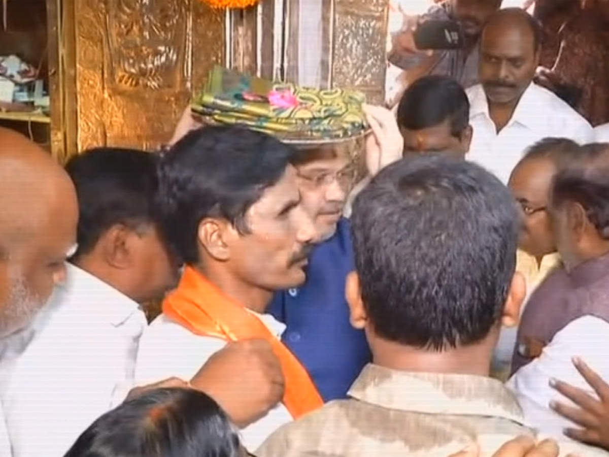 Hyderabad: Amit Shah offers prayers at Mahakali Temple