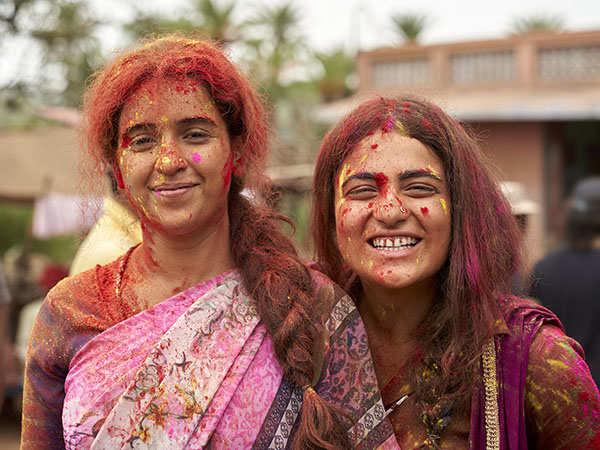 Pataakha Review: Vishal Bharadwaj's Raw and Rural drama will make you go ROFL