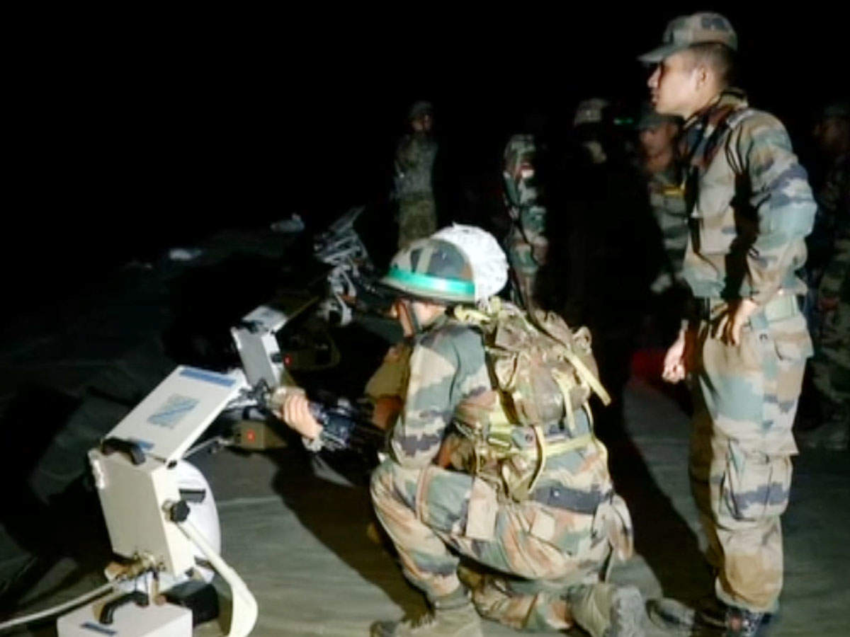 watch-indian-us-troops-take-part-in-night-firing-exercise