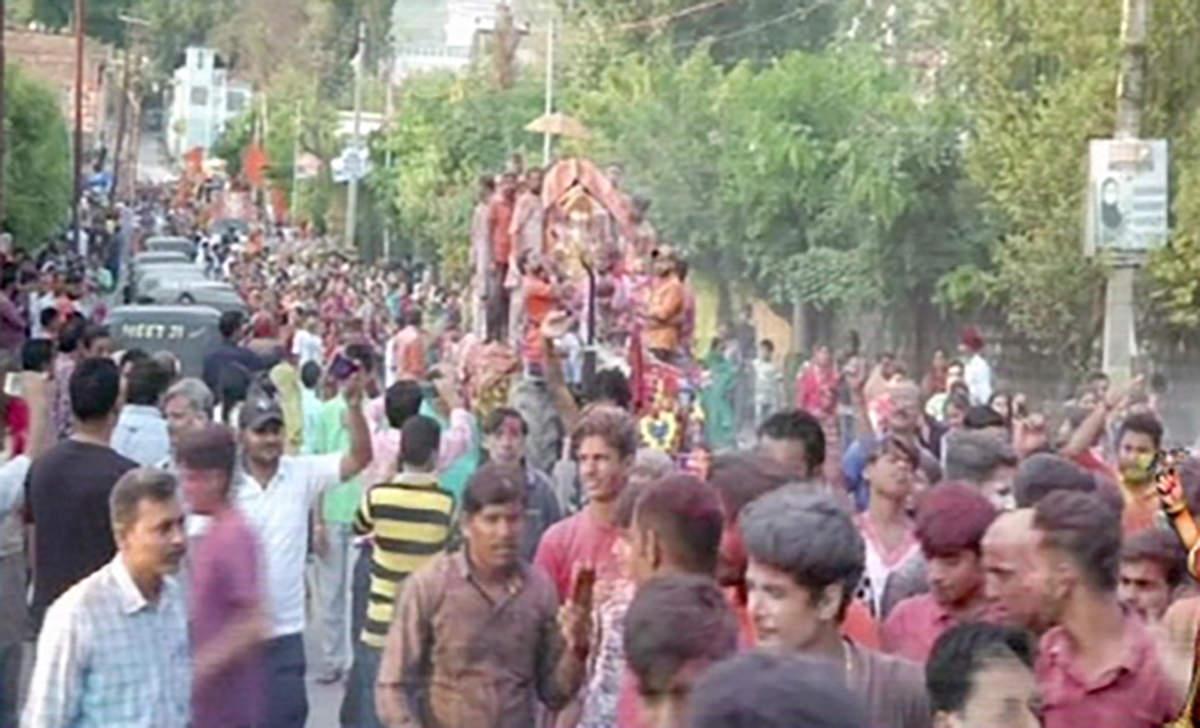 over-2000-devotees-participate-in-shobha-yatra-of-ganpati-visarjan-in-poonch