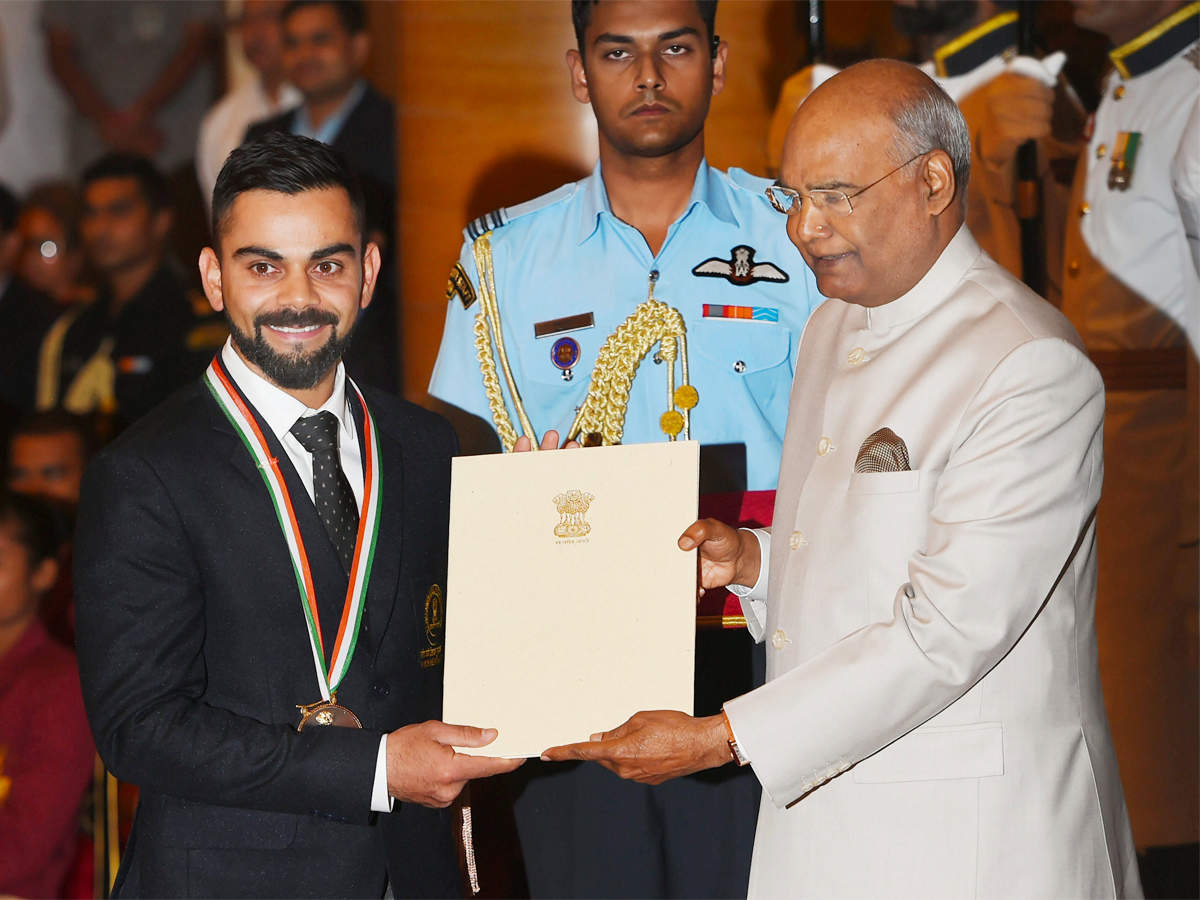 virat-kohli-mirabai-chanu-receive-khel-ratna-from-president-kovind