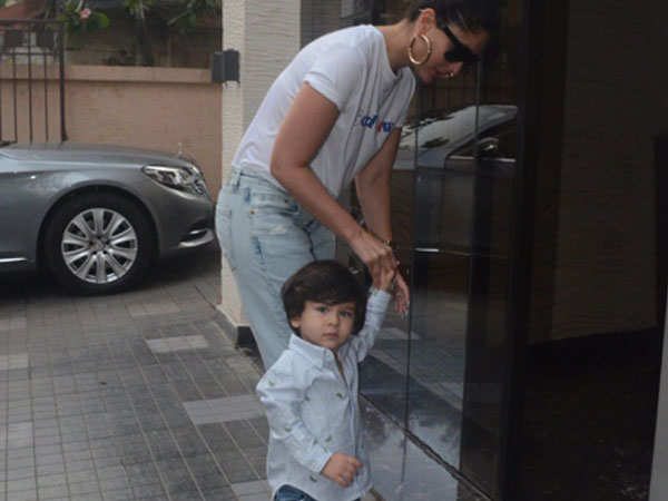 Watch: Taimur Ali Khan saying hi to paparazzi is the cutest thing you will see today thumbnail