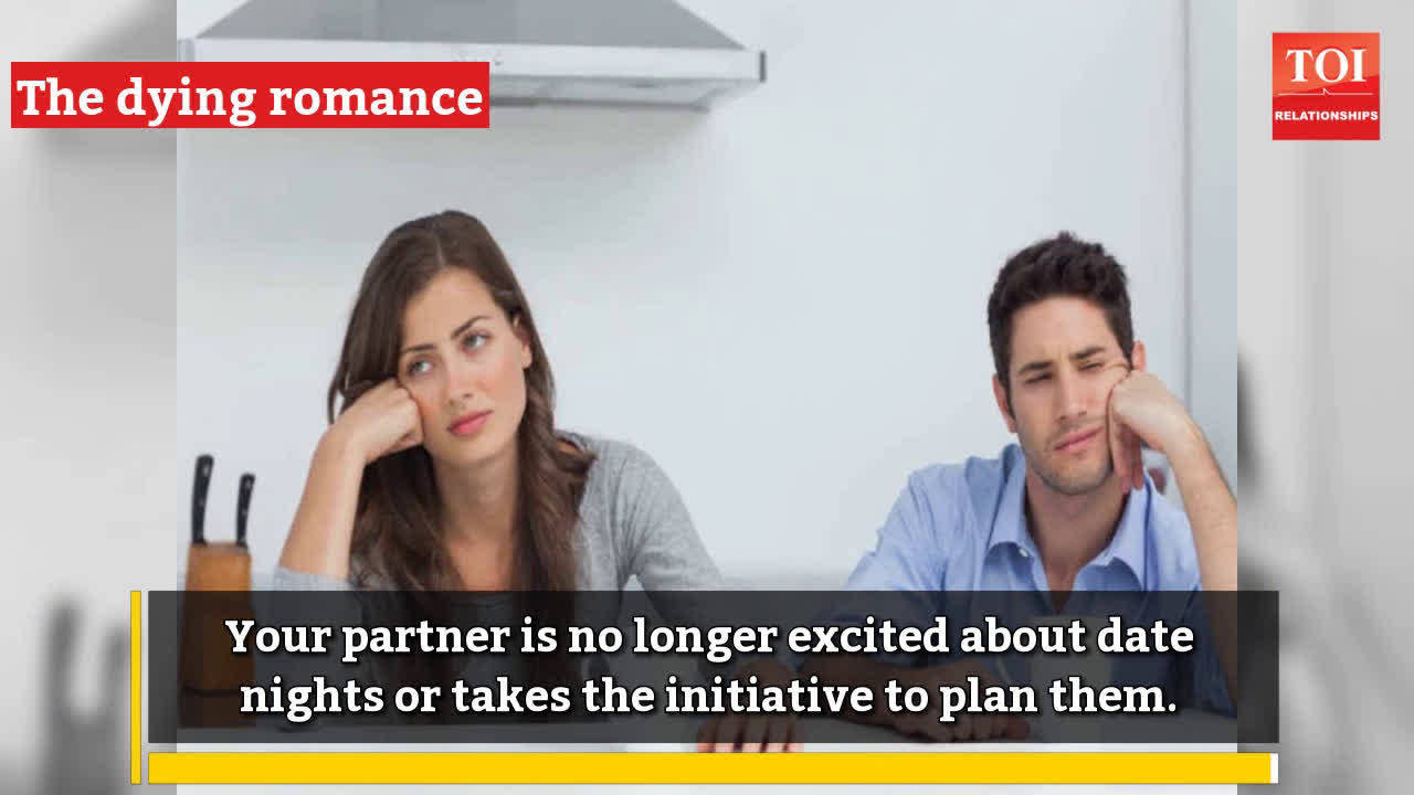 signs-that-your-partner-is-losing-interest-in-you