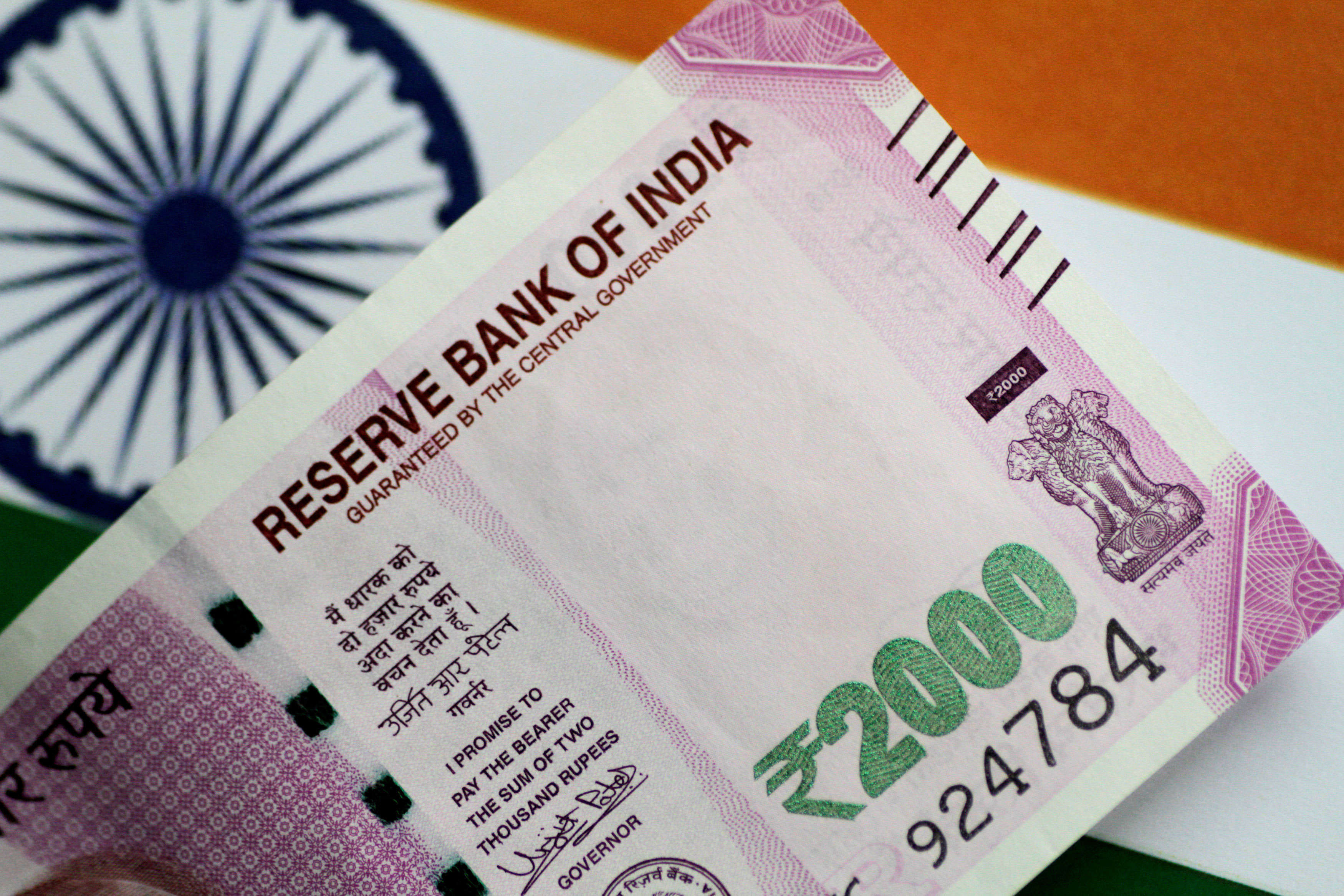 the-connection-between-rupee-crisis-and-indias-elections