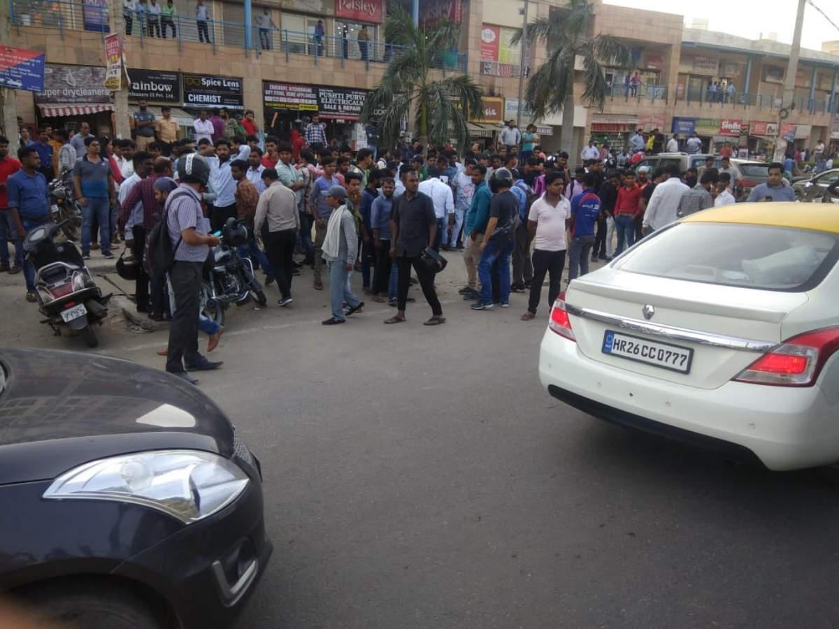 gurgaon shooting: gurgaon judge's wife, son shottheir security
