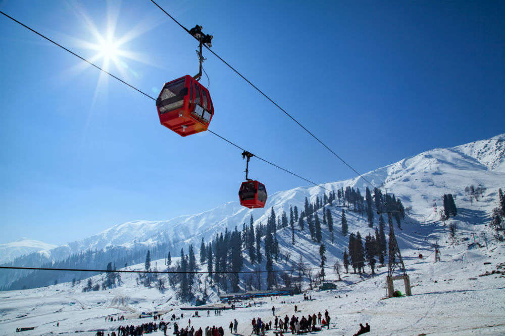 Your guide to skiing in Kashmir