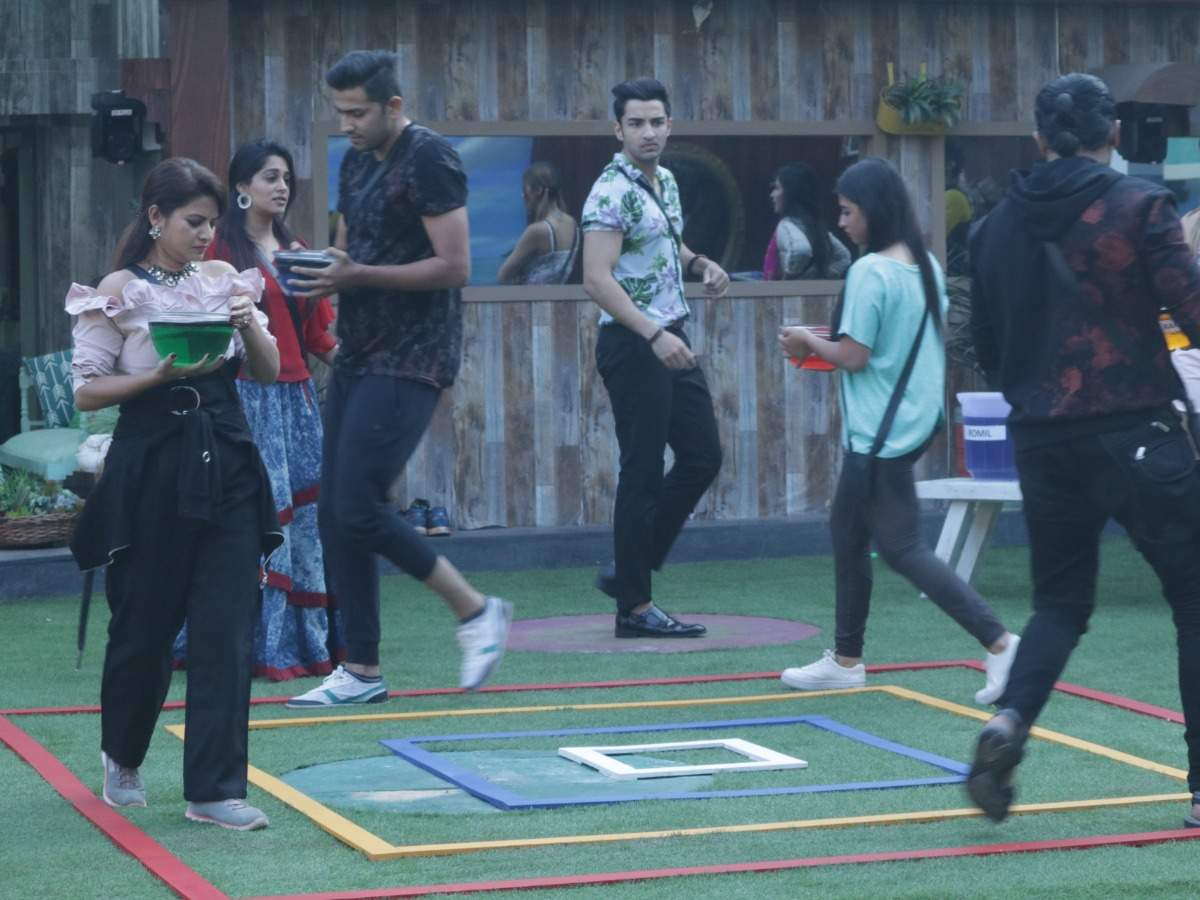 Bigg Boss 12, Day 54, November 9, 2018, Live Updates: Captaincy task creates chaos among contestants - The Times of India