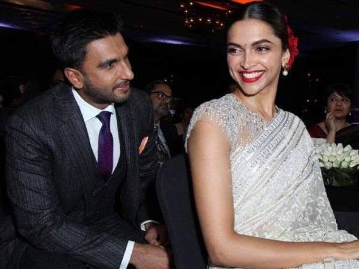 EXCLUSIVE! Ranveer Singh and Deepika Padukone married in a four hour long Konkani-Brahmin ritual! - Times of India ► thumbnail