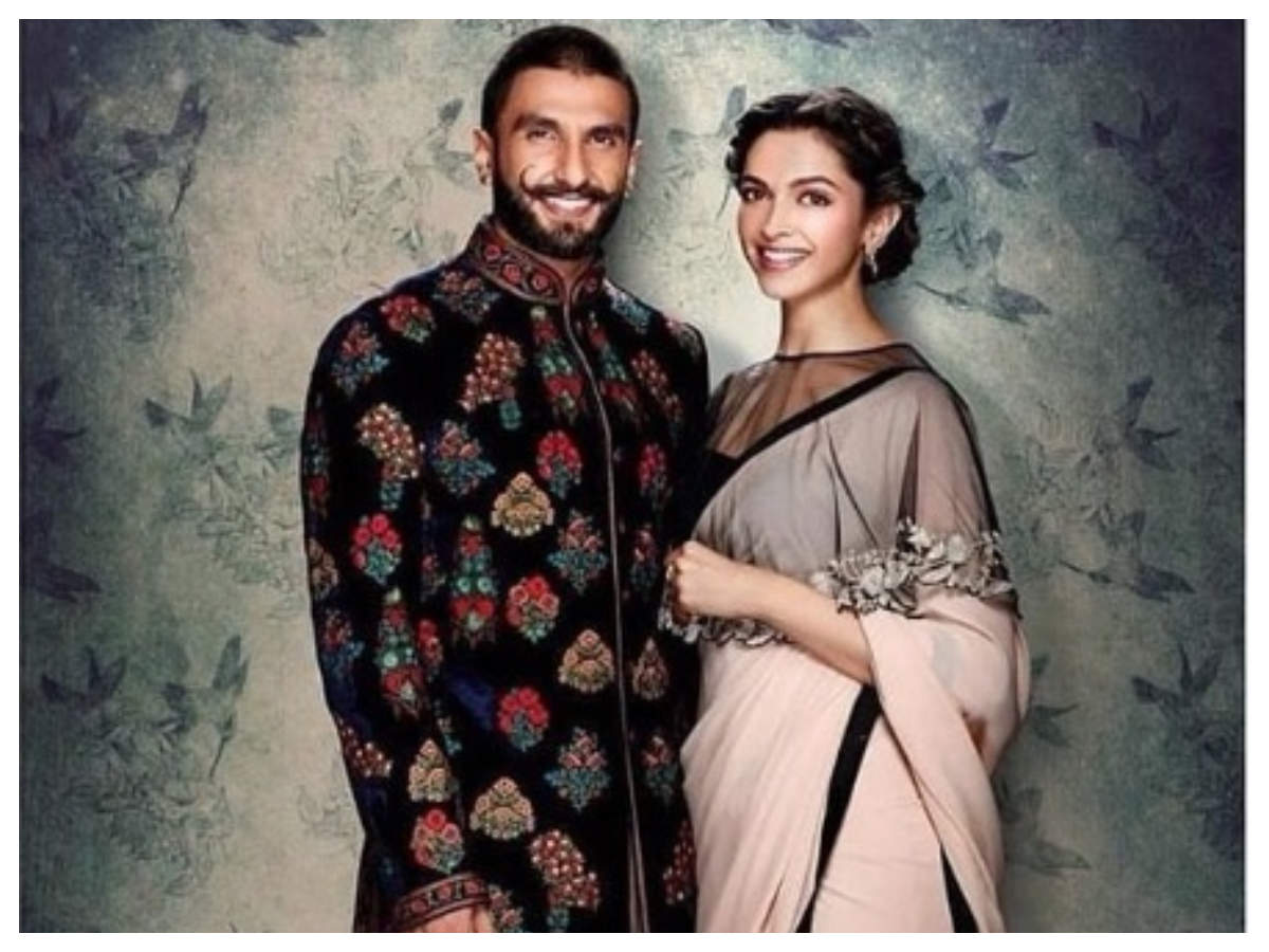 Deepika Padukone and Ranveer Singh wedding the newlyweds to share their wedding photos today at 600 PM