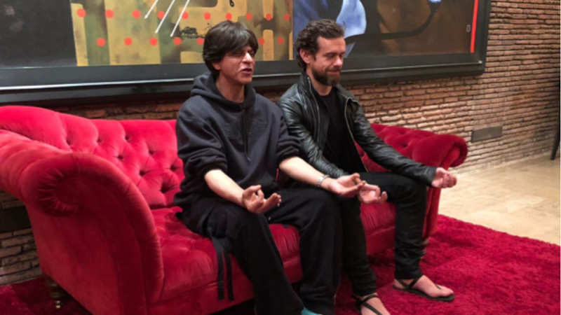shah-rukh-khan-meditates-with-twitter-ceo-jack-dorsey