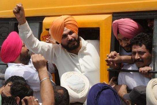 navjot-singh-sidhu-sparks-controversy-talks-about-godhra-to-cover-up-for-pak-invite