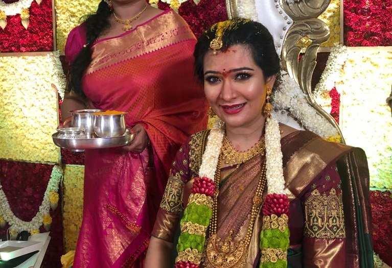 Yash-radhikapandite-babyshower-photos