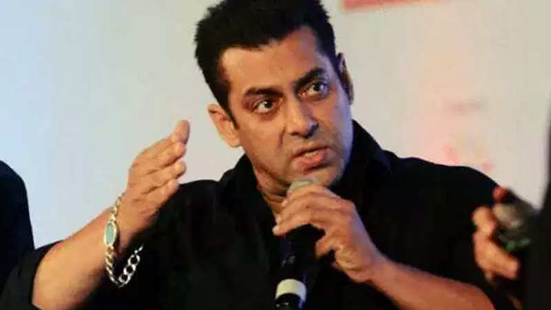 man-arrested-for-threatening-salman-khans-staff-to-disclose-his-contact-number