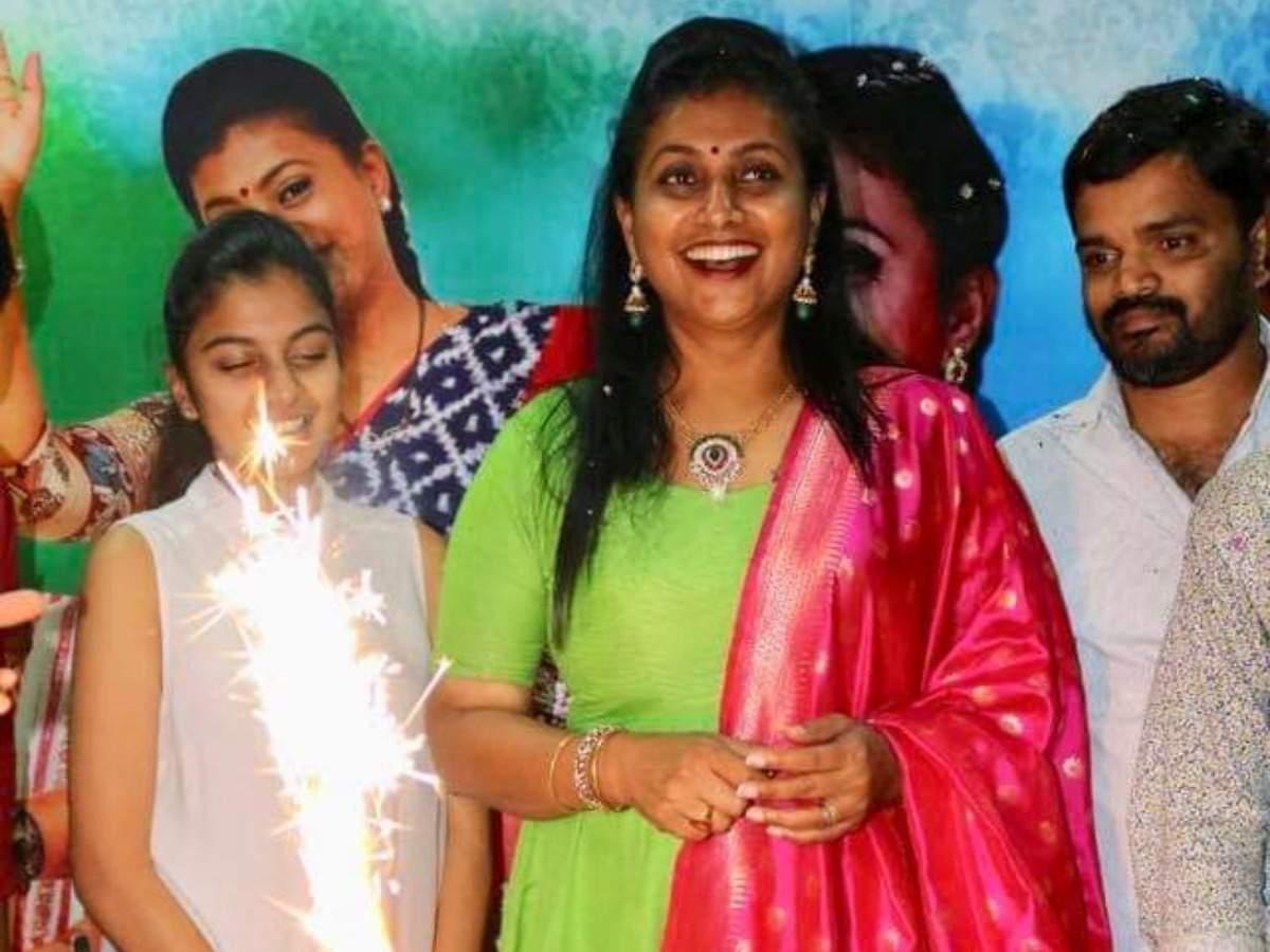 roja actress roja selvamani celebrates her birthday times of india