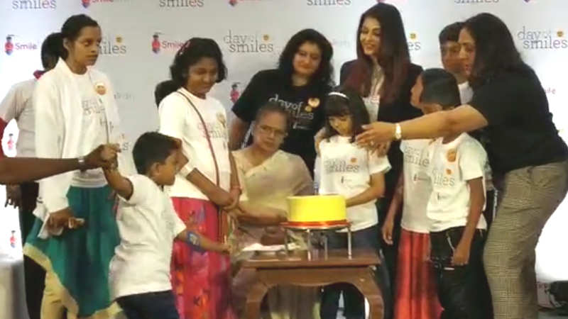 aishwarya-rai-aaradhya-bachchan-spend-time-with-ngo-kids