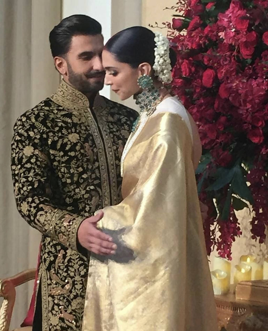 Deepika Padukone and Ranveer Singh make an entry with a Punjabi song at their reception - Times of India