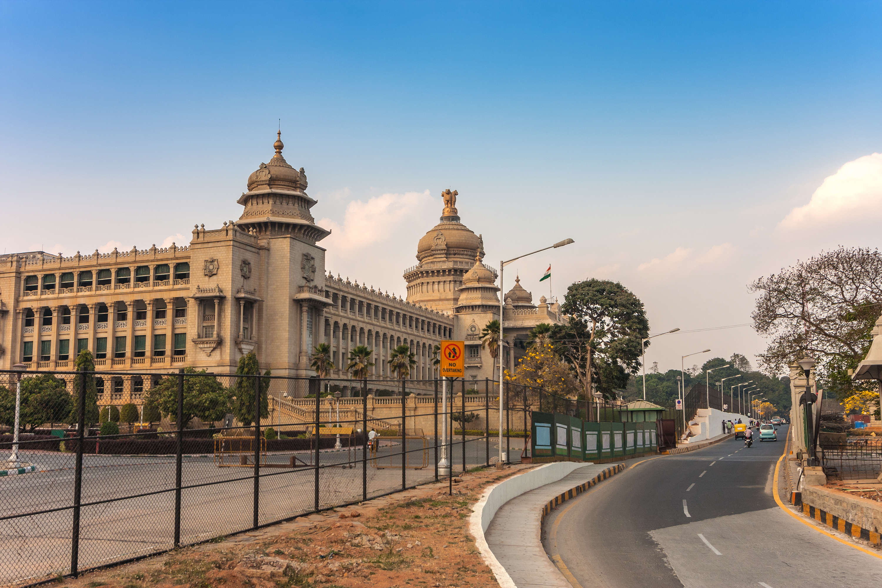 Cheap hotels in Bangalore near Majestic that you can consider