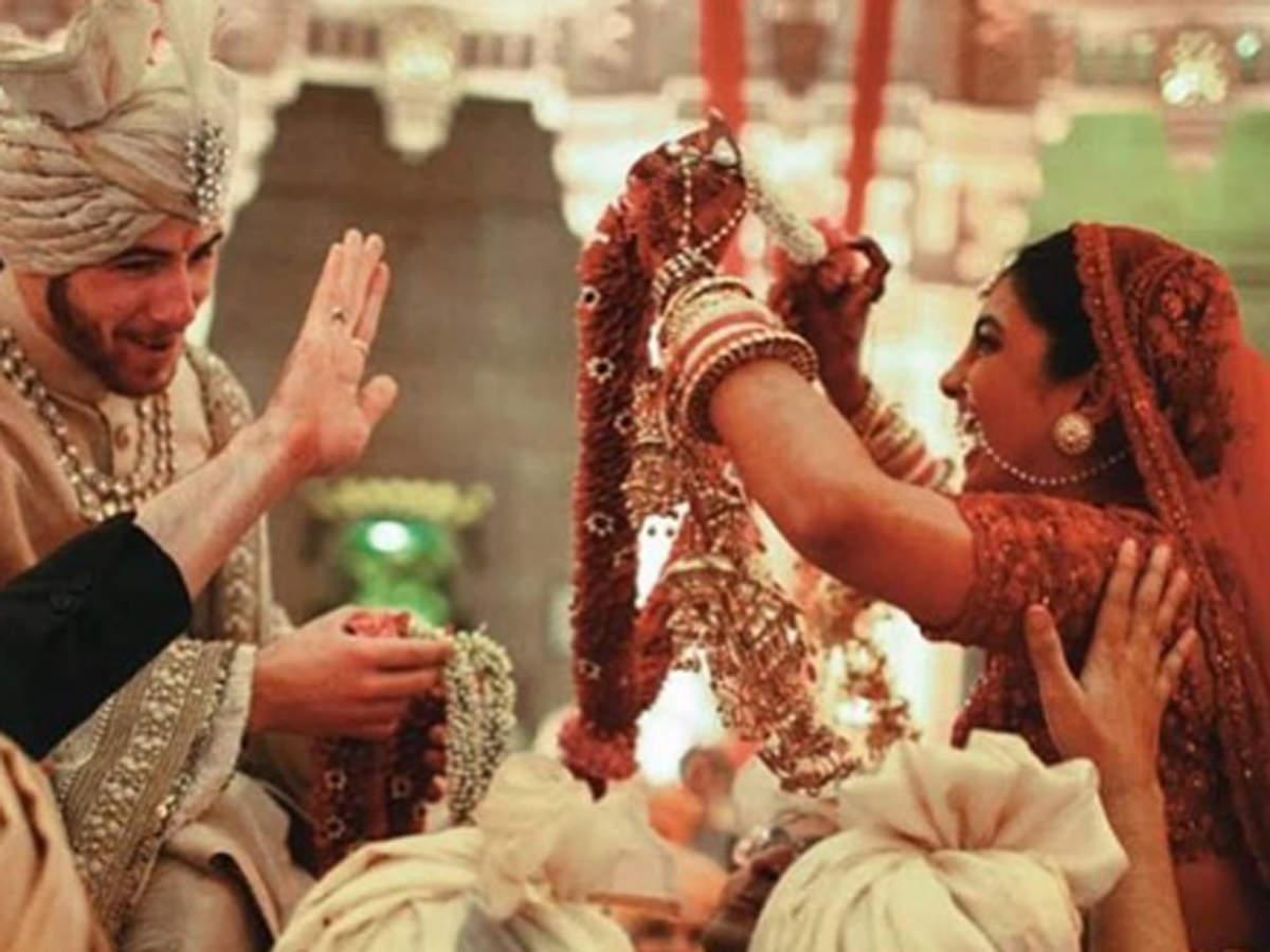 Priyanka Chopra Hindu wedding red lehenga photos, Unseen