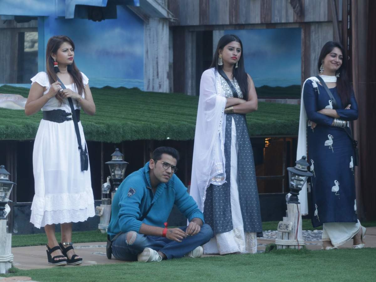 Bigg Boss 12 Day 81, December 06, 2018 Live Updates: Rohit and Surbhi battle it out for Captaincy task - The Times of India