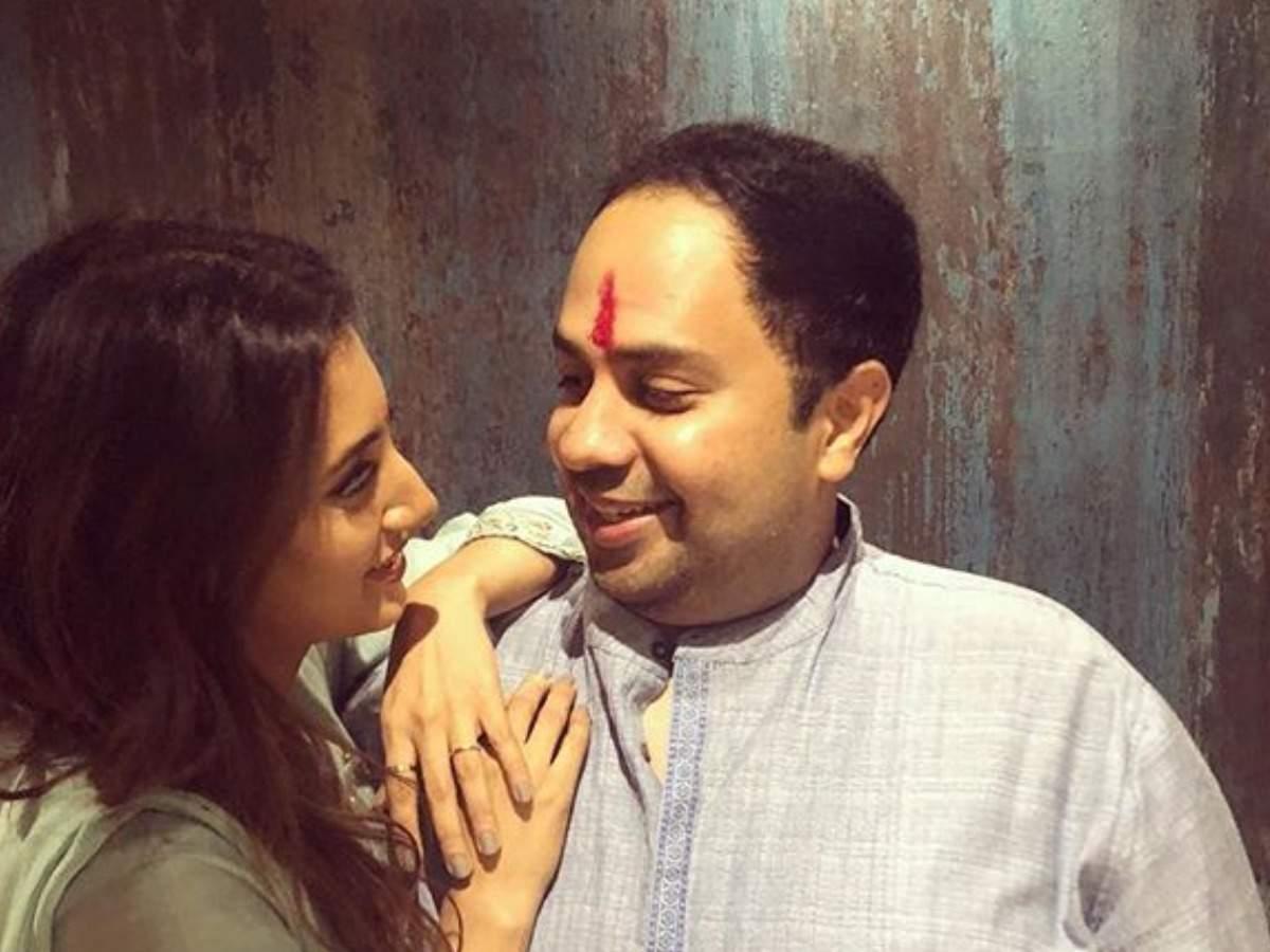 Watch Additi Gupta video