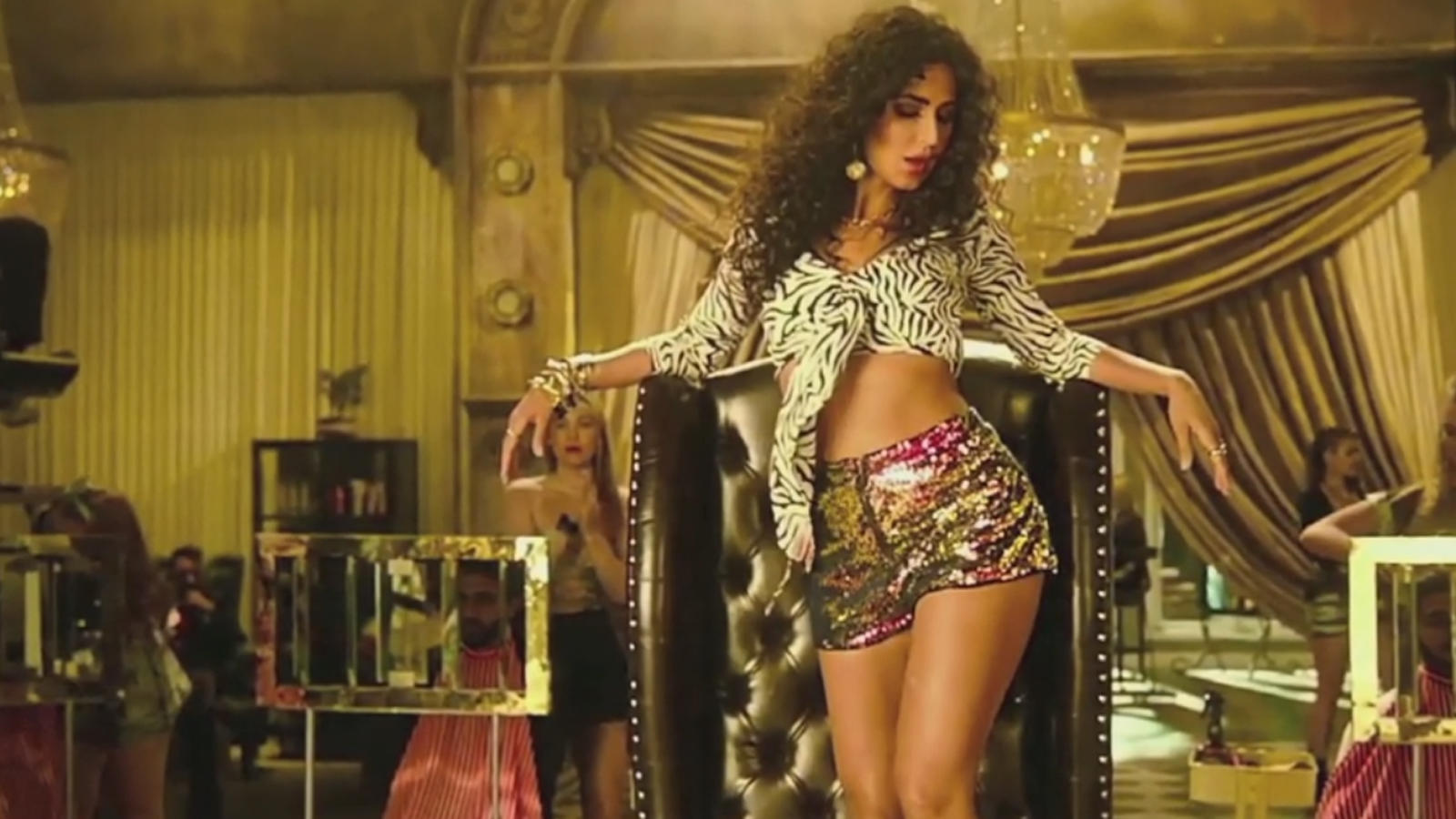 zero-song-husn-parcham-katrina-kaif-will-set-your-heart-racing-with-her-sizzling-moves