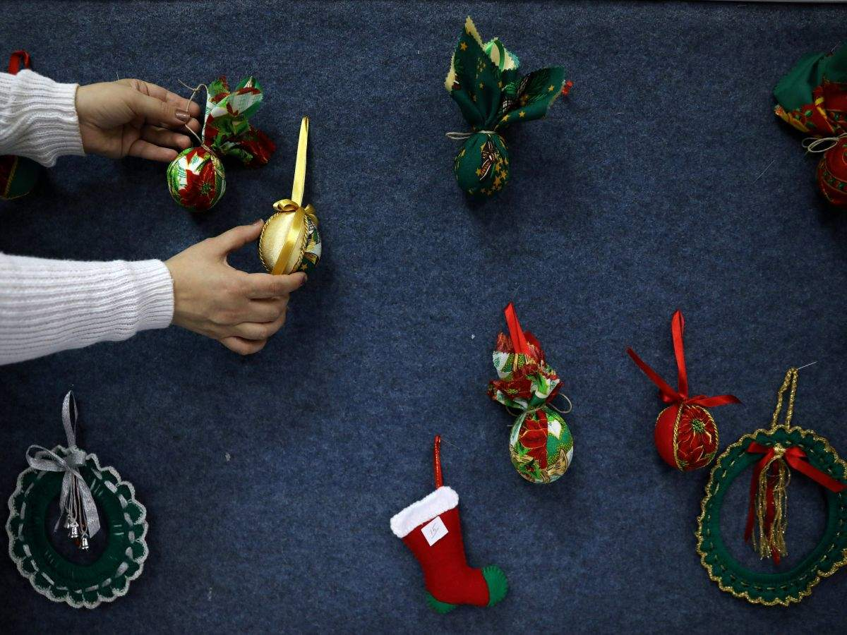 Celebrate Christmas With These Simple Home Decor Ideas Times Of India