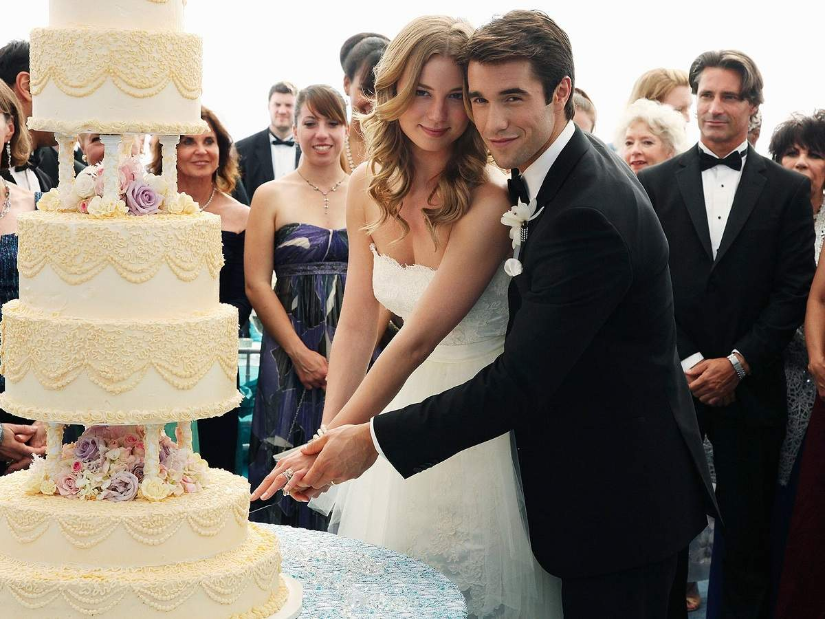 revenge: Emily VanCamp, Josh Bowman get married - Times of ...
