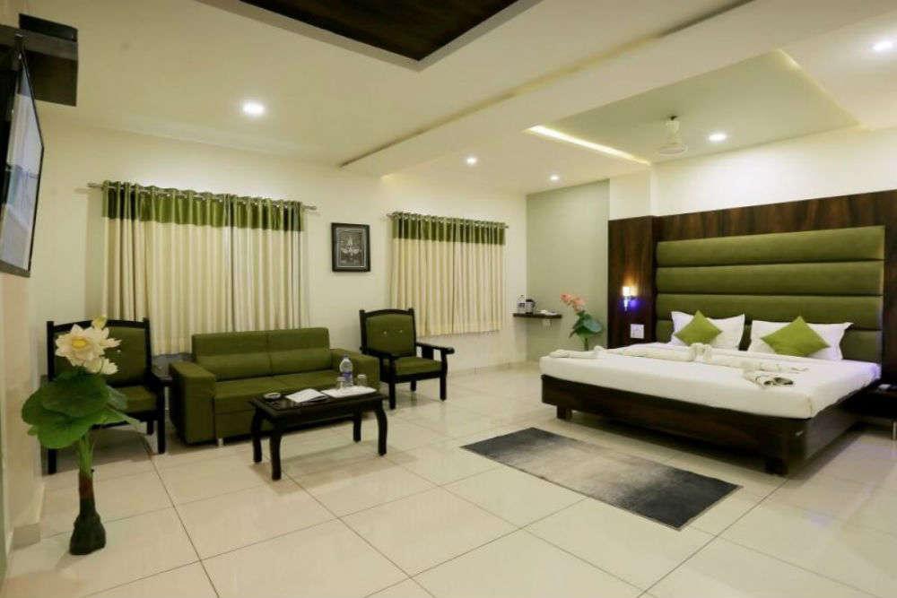 Hotels in Bhuj