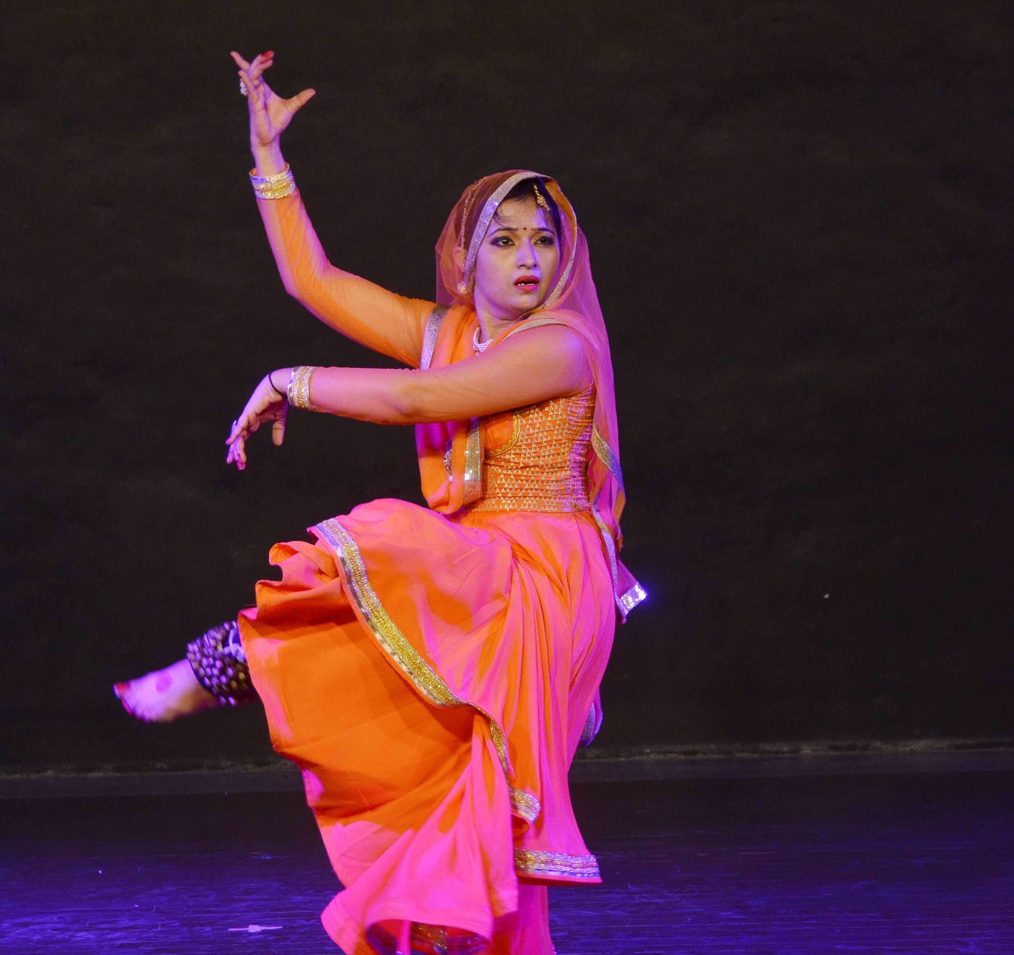 cd014c0f76aa Indian classical dance: Katha se Kathak tak....an impressive Kathak recital  at Mahagami | Events Movie News - Times of India