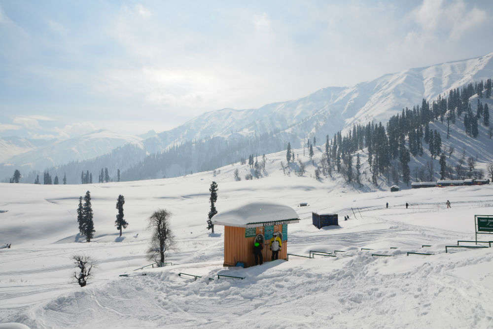 Weather in Jammu-Kashmir: Heavy snowfall predicted; rain in Northern plains