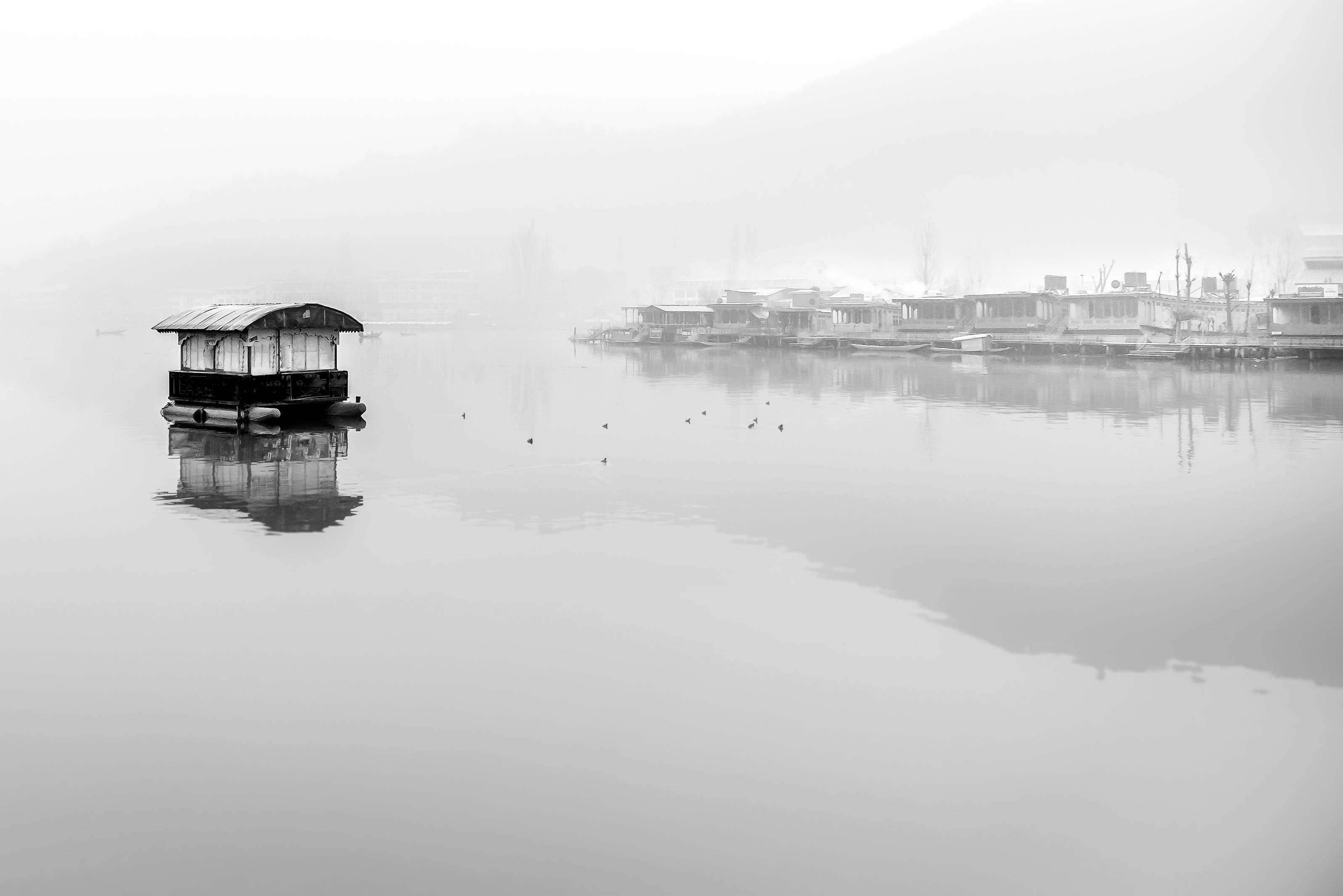 Dal Lake freezes partially; Uttarakhand to see light rain and snow