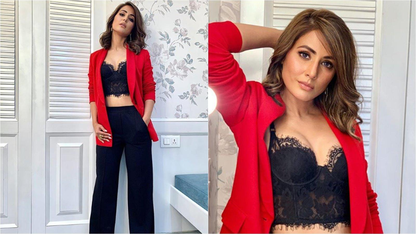 2ff272ac6d2 Hina Khan raises temperature in red and black attire on Christmas
