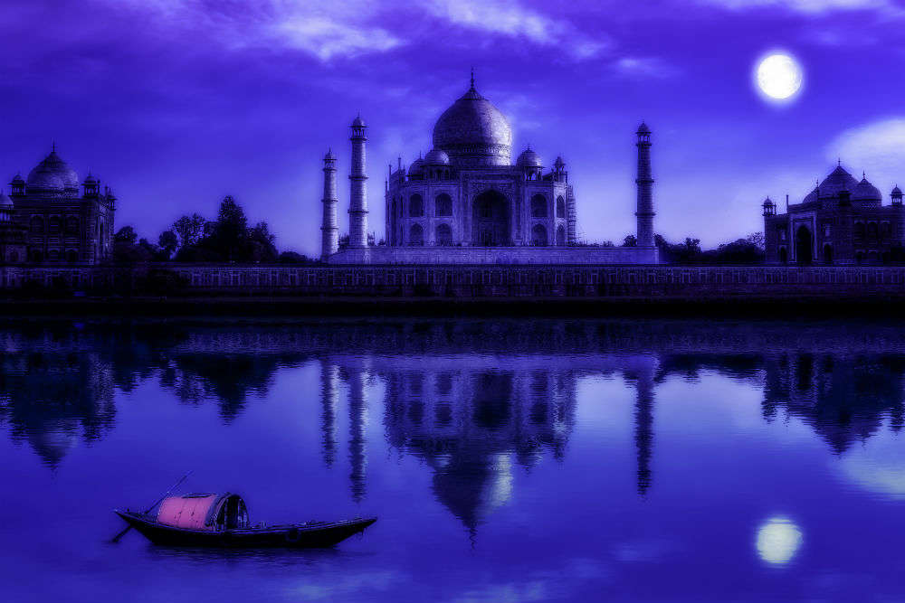 Do you know these touristy places in Agra are haunted?