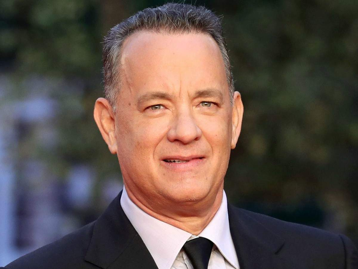 Tom Hanks Mr Rogers Movie Titled A Beautiful Day In The Neighborhood English Movie News Times Of India