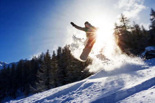 Skiing in Manali is now possible without natural snow