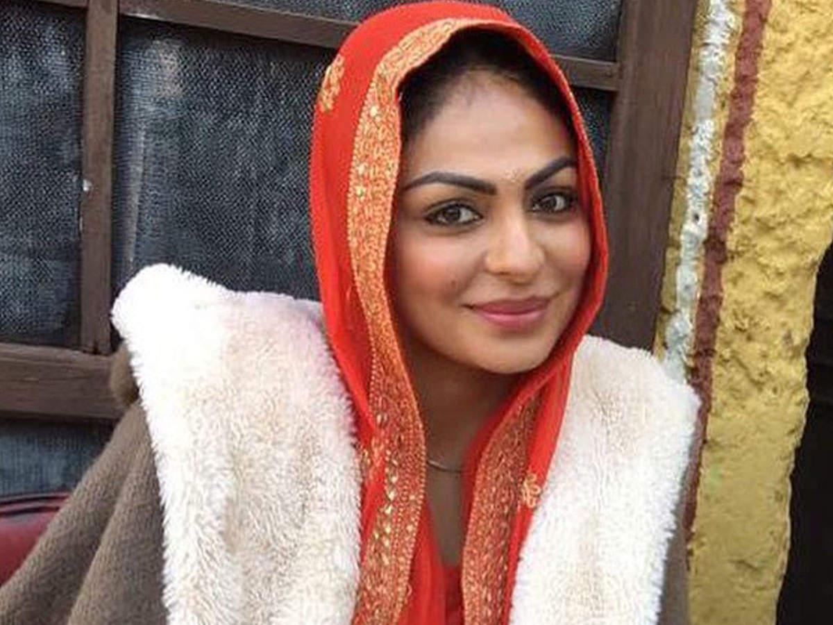 Neeru Bajwa Neeru Bajwa new foto