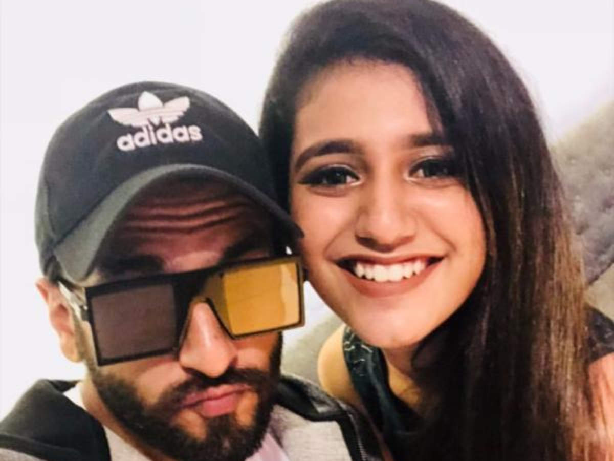 Priya Varrier poses for a selfie with Ranveer Singh at 'Uri: The Surgical Strike' special screening - Times of India