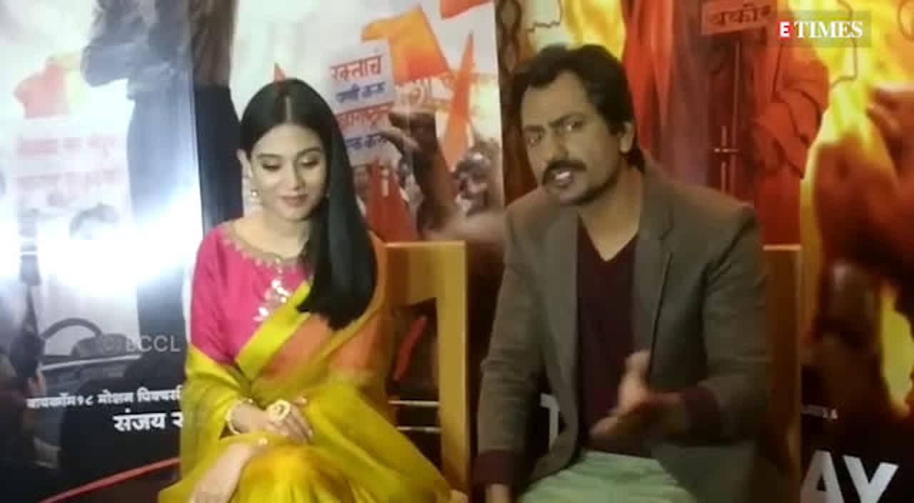 nawazuddin-siddiqui-amrita-rao-promote-thackeray-in-mumbai