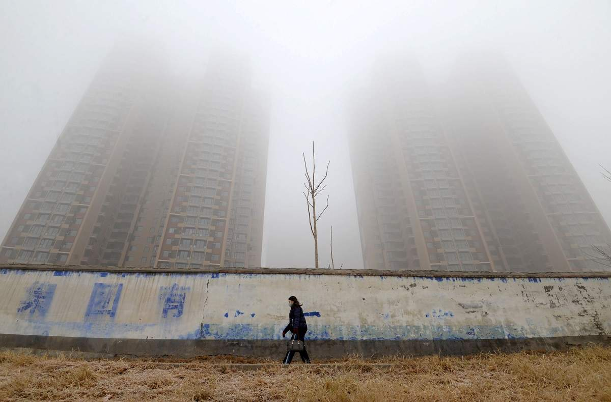 China promises to offer no room for underachievers in war against pollution