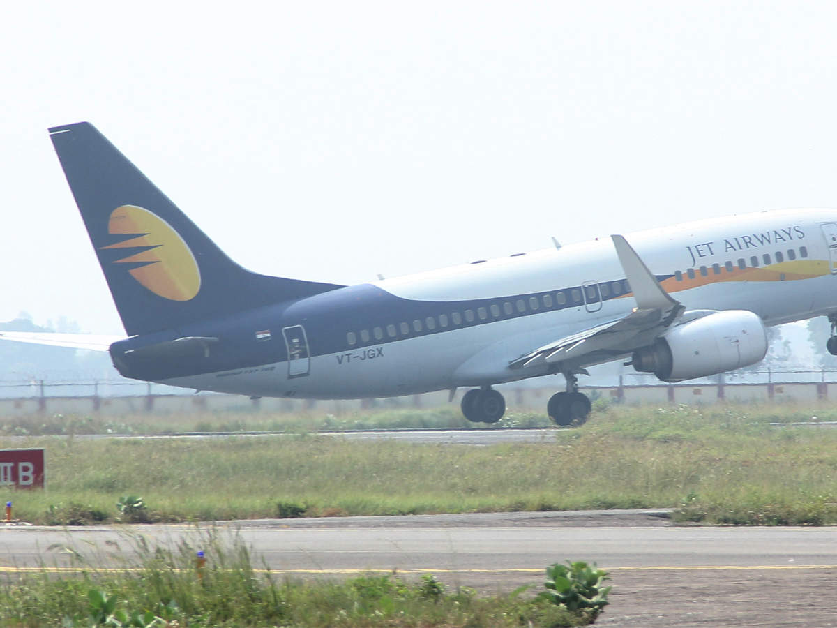 sbi-set-to-own-15-of-jet-airways-after-debt-for-equity-swap-reports