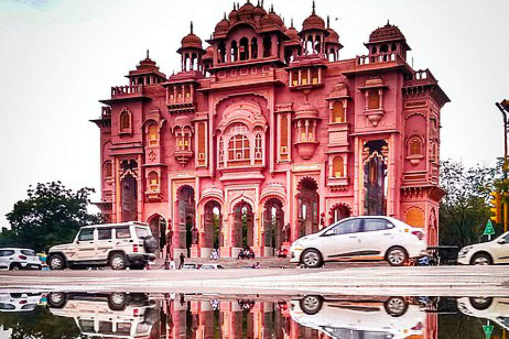 Jawahar Circle in Jaipur – a spectacular site that comes alive at night