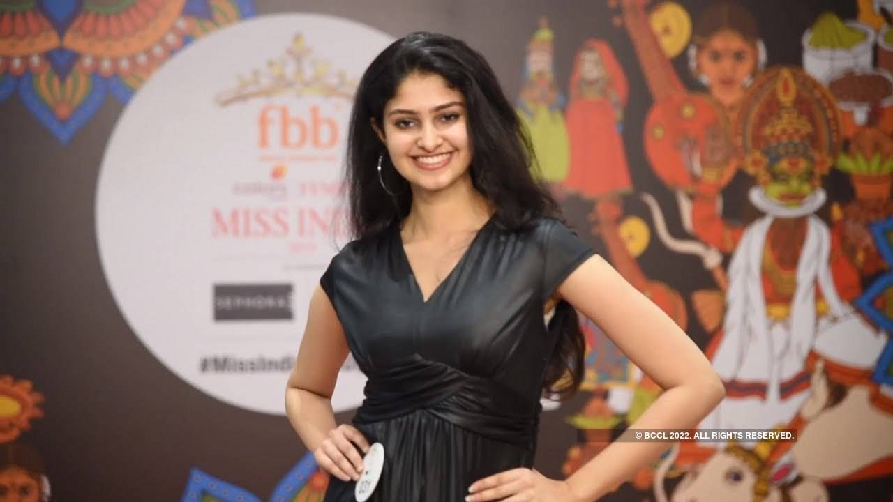 Manasa Varanasi's introduction at Miss India 2019 Telangana audition