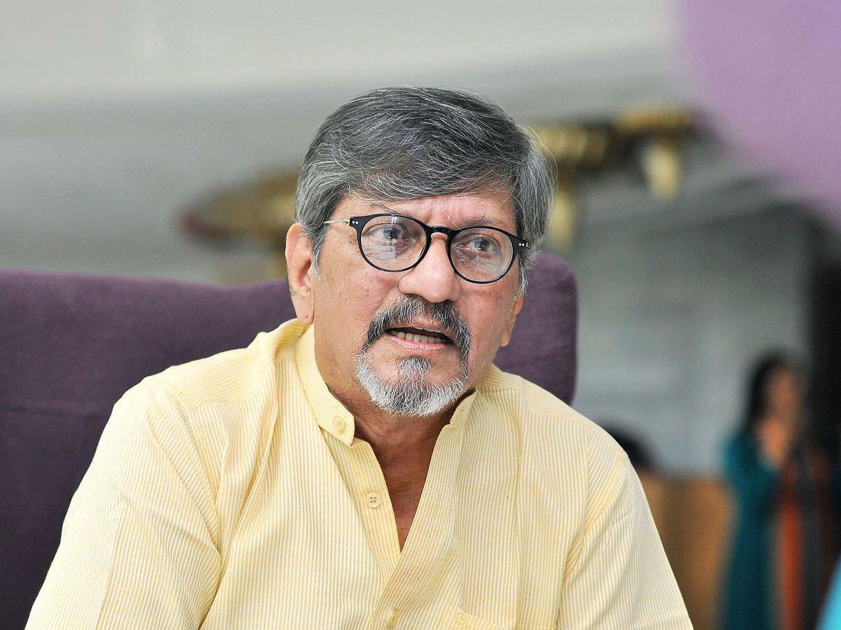 Amol Palekar issue: Opposition accuses govt of 'policing thoughts',  'silencing dissent' | India News - Times of India
