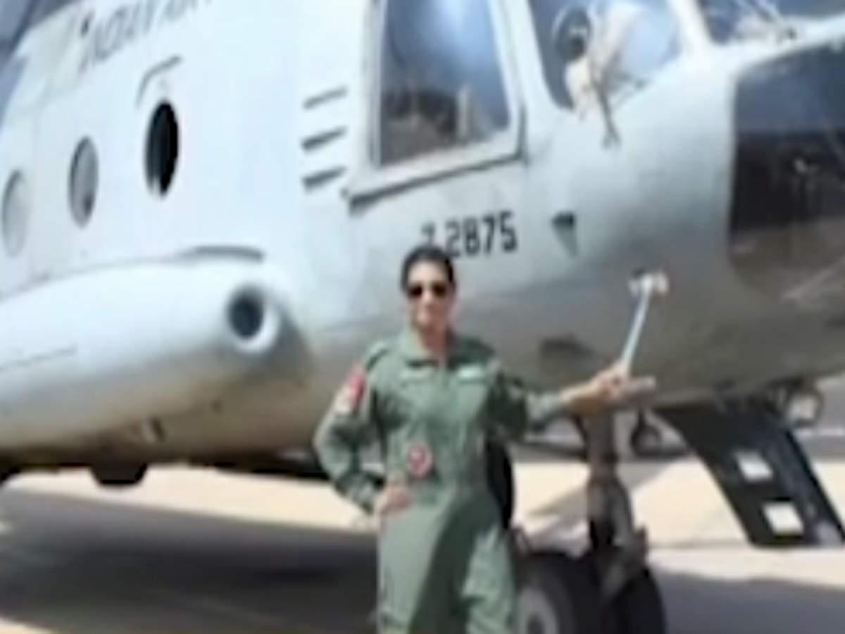 flight-lieutenant-hina-jaiswal-becomes-first-female-flight-engineer