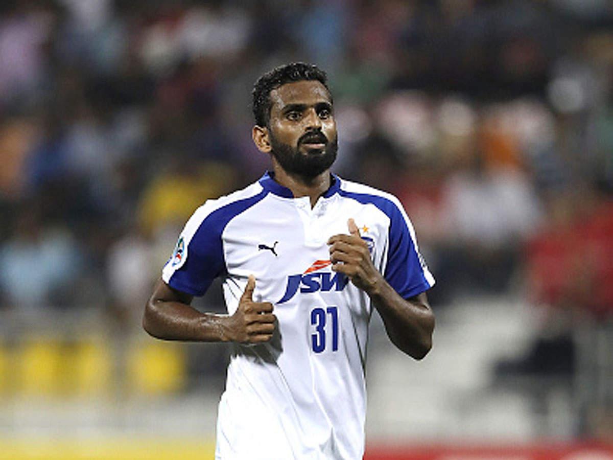 CK Vineeth files complaint against Kerala Blasters fan group