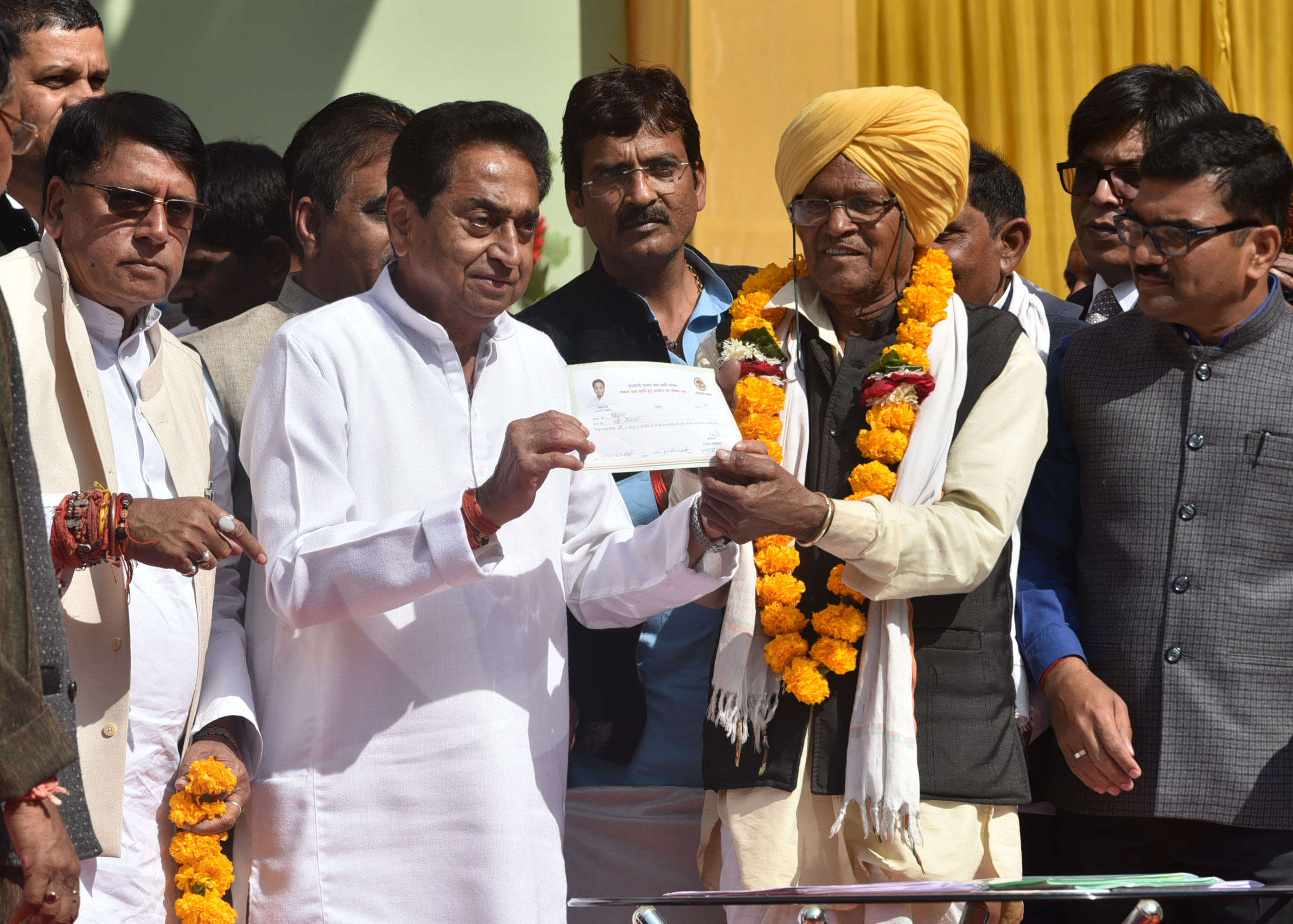 loan-waiver-mp-govt-to-transfer-money-into-farmers-account-from-today