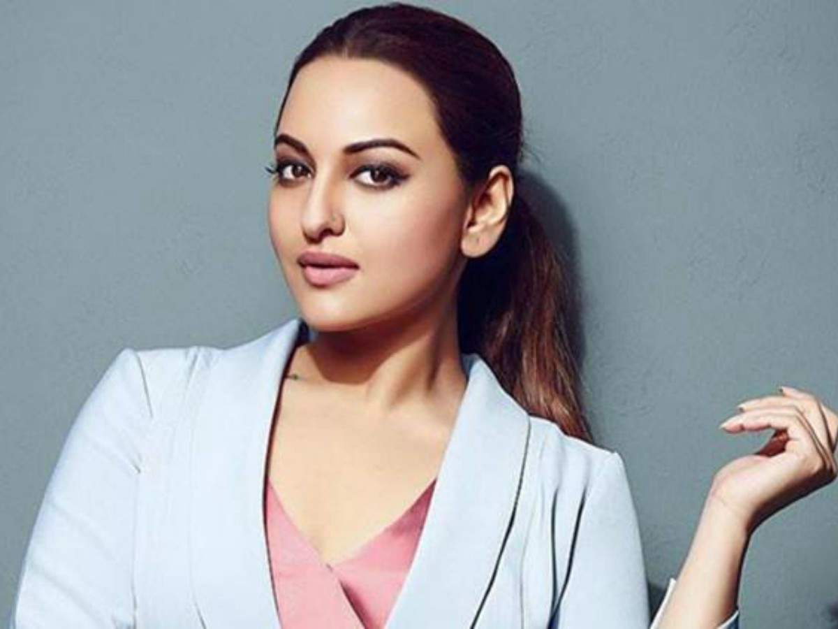 Case of fraud filed against sonakshi sinha in up hindi movie news times of india