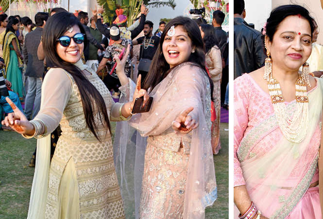 A poori filmy shaadi in Lucknow | Lucknow News - Times of India