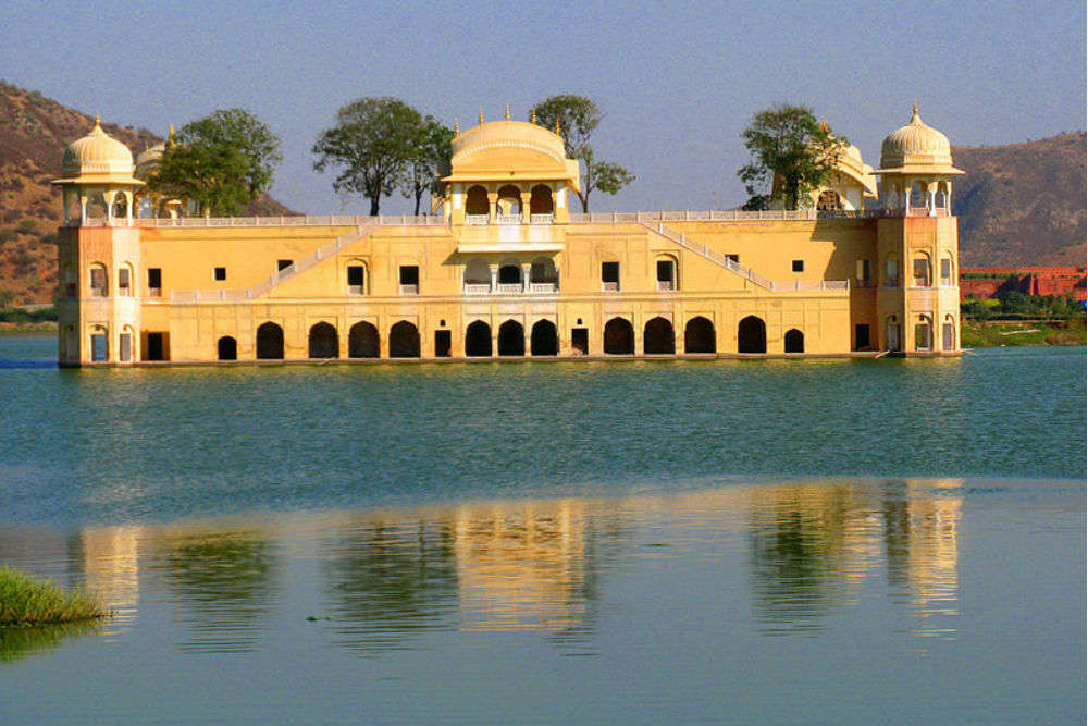 When in Jaipur, do not miss spending 30 minutes at Jal Mahal