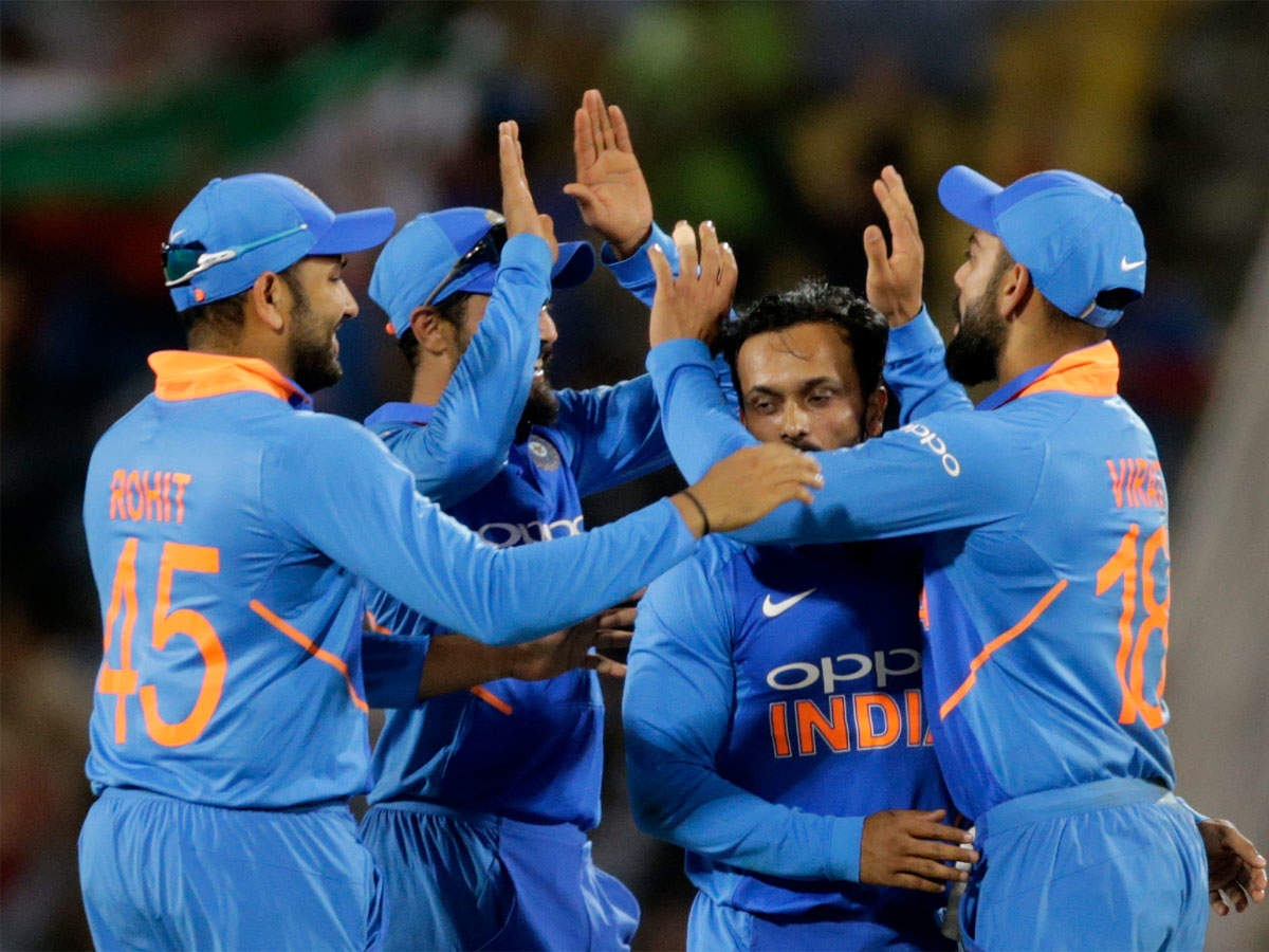 Live Cricket Online: India vs Australia 2nd ODI, Live Cricket Score
